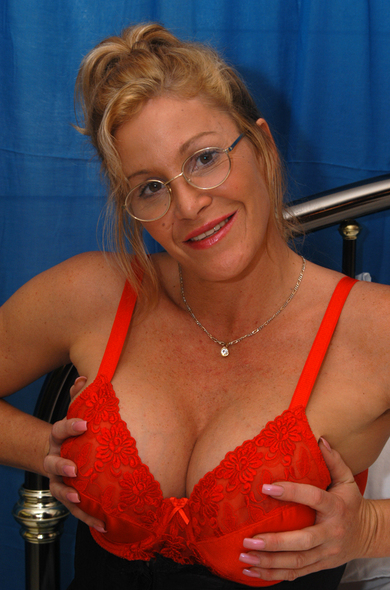 Pornstar Michelle - Big Fake Tits videos by Naughty America