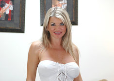 Nadia Styles, Vicky Vette & Derrick Pierce in Diary of a Milf - Centerfold