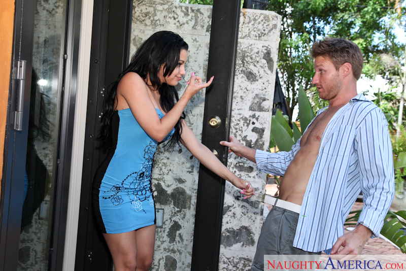 Abella Anderson in Latin Adultery - Click here!