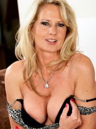 Friend's Mom Porn Video with Big Tits and Blonde scenes