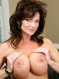 Deauxma & Chris Strokes in My Friends Hot Mom - Centerfold