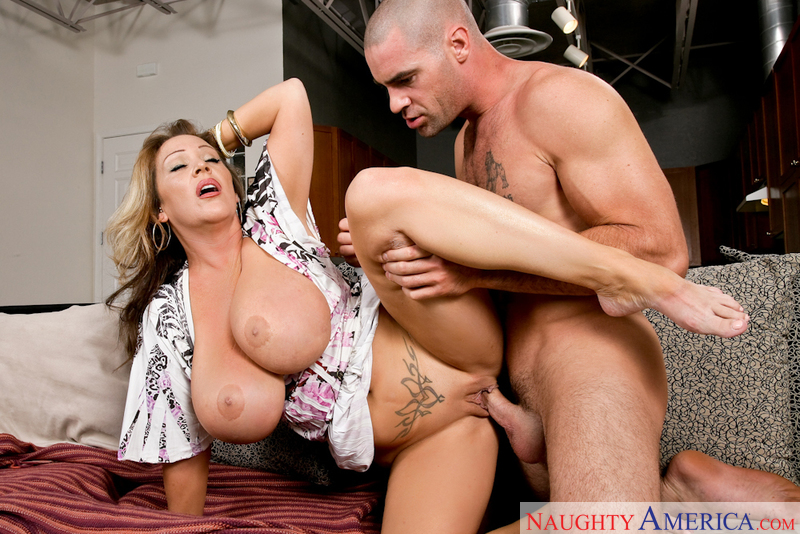 Naughty America Milf Threesome