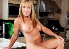 Luna Azul & David Loso in My Friends Hot Mom - Centerfold