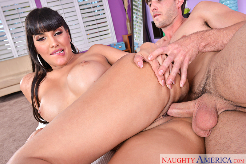 My Friends Hot Mom – MERCEDES CARRERA, LUCAS FROST