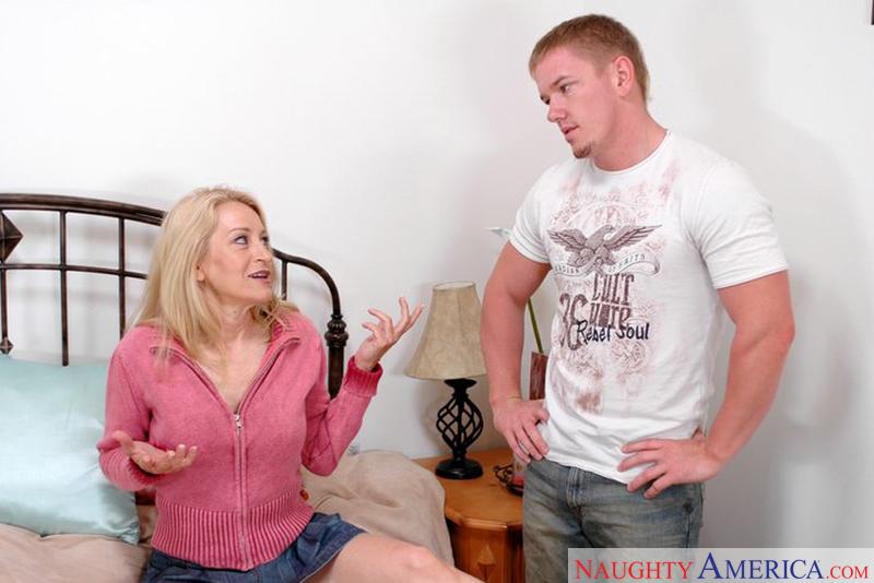 Ex nfl stud destroys my pussy - 3 part 1