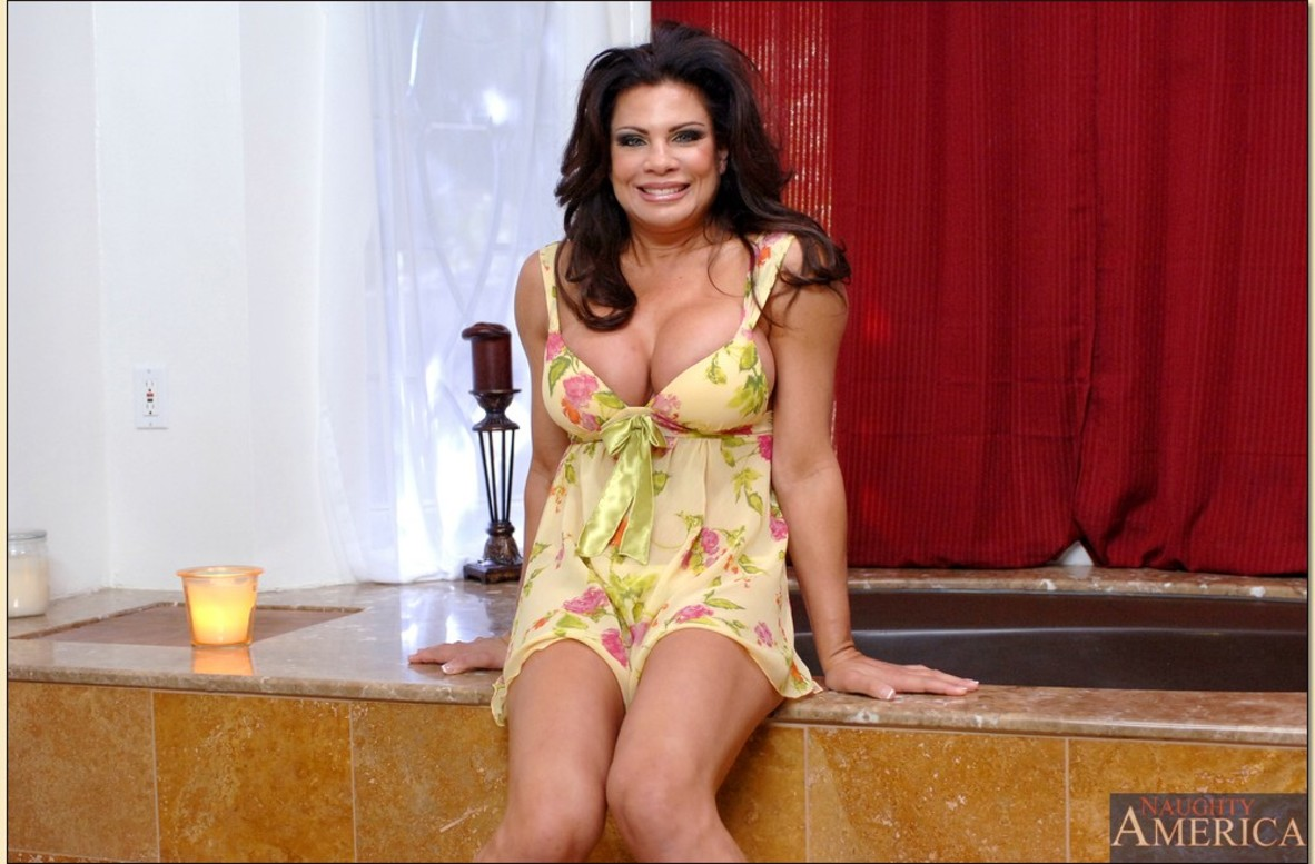 Mature vixen Teri Weigel gives a titjob and gets her shaved twat cocked up № 20510 без смс