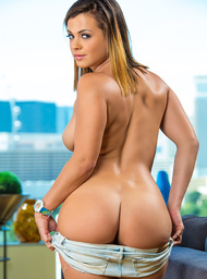 Keisha Grey & Alan Stafford in My Sisters Hot Friend - Centerfold