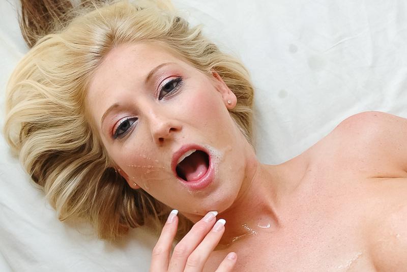 Невинная малышка обожает анальный секс