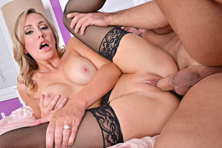 Dirty Wives Club – BRETT ROSSI, JOHNNY CASTLE