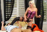 Gigi Allens & Preston Parker in Neighbor Affair - Sex Position 1