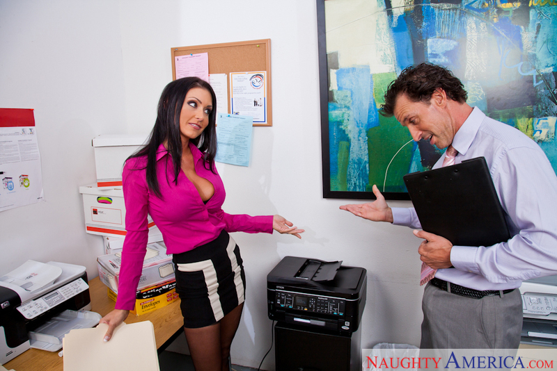 Porn star Jessica Jaymes getting ready