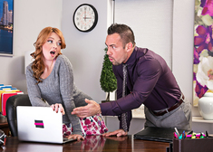 Marie McCray & Johnny Castle in Naughty Office - Centerfold
