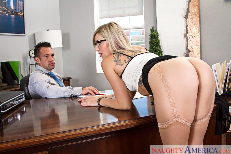 Naughtyamerica – Zoey Monroe & Johnny Castle in Naughty Office
