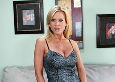 Amber Lynn & Scott Nails in Seduced by a cougar - Centerfold