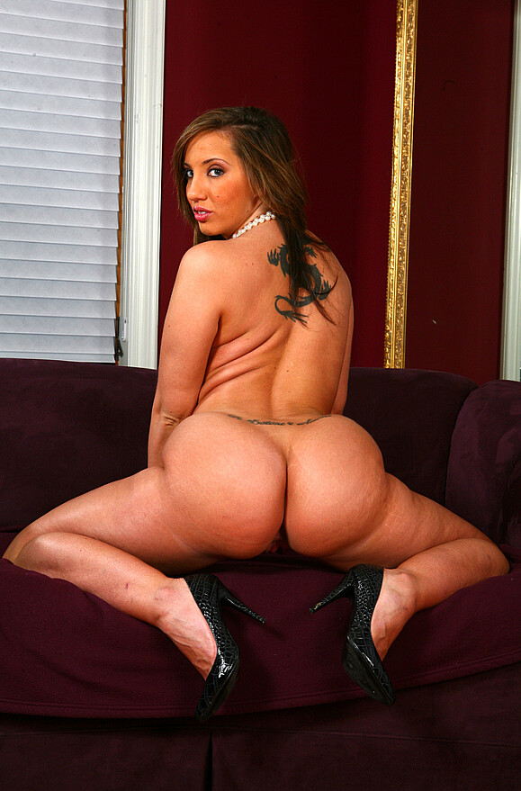 Kelly Divine - xxx pornstar in many Cum on Ass & Hand Job & Ranch videos