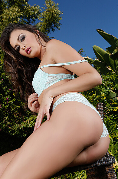 VR Pornstar Allie Haze