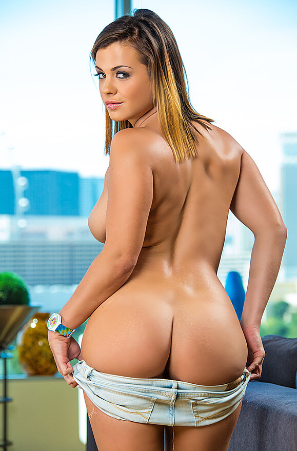 Keisha Grey - xxx pornstar in many Blonde & Garage & Outdoors videos