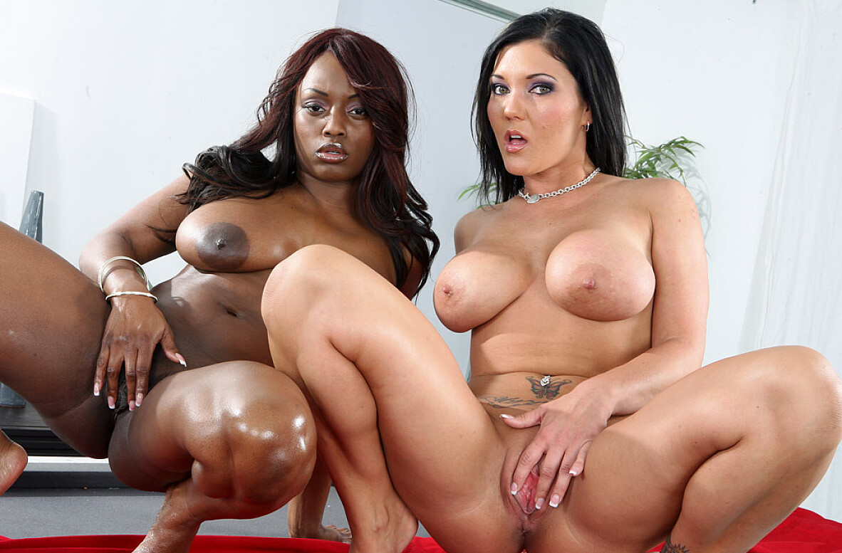 Watch Claire Dames, Jada Fire and VooDoo video in 2 Chicks Same Time