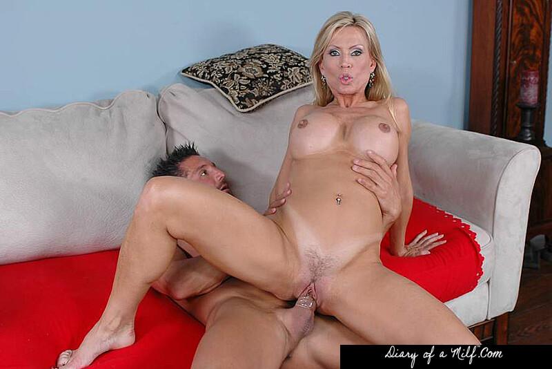Blonde milf porn star julieann