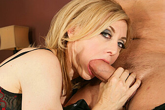 Nina Hartley fucking in the bedroom with her tits - Sex Position 2