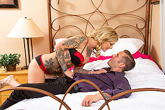 Kleio Valentien fucking in the bed with her outie pussy - Sex Position 2