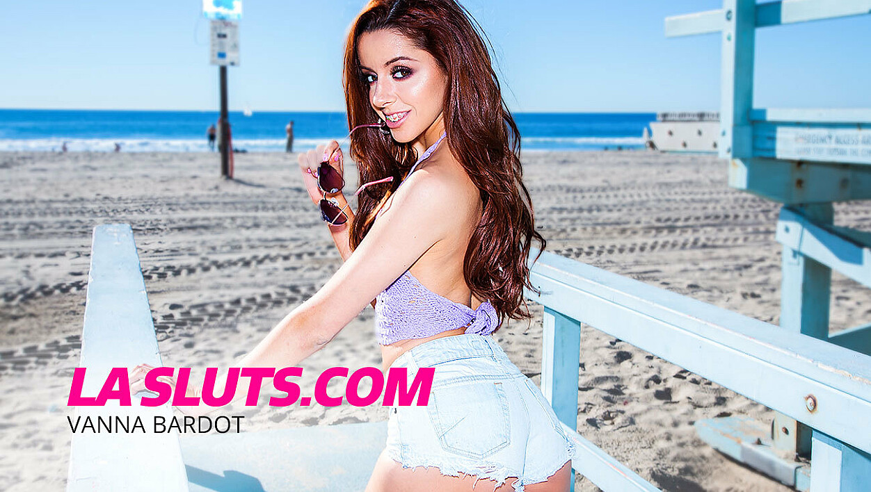 LA Slut Vanna Bardot Fucks Who She Wants