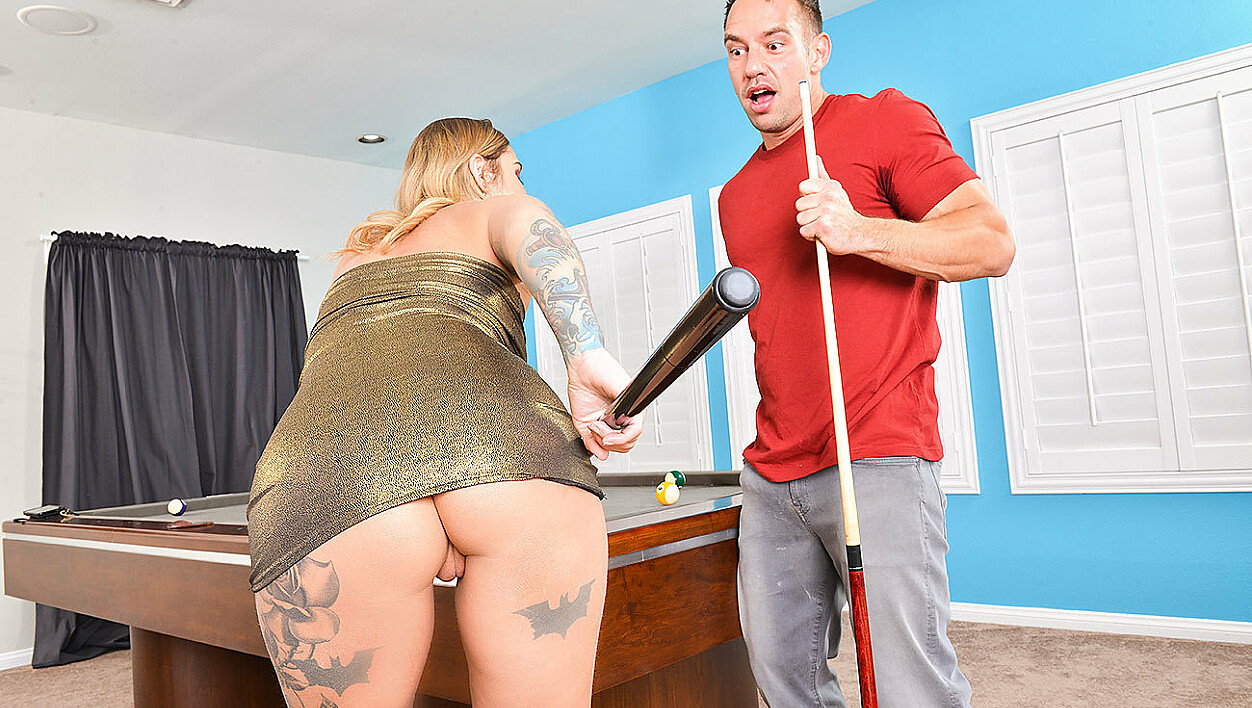 Kleio Valentien fucking in the pool table with her petite