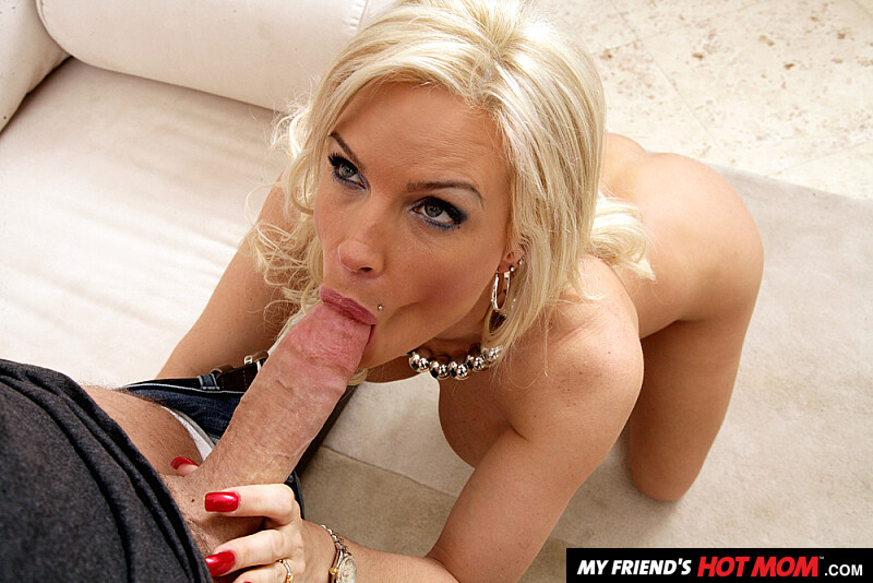 James Deen Pussy Eating