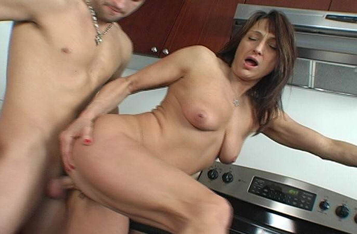 Watch Jillian Foxxx and Kris Slater video in My Friend's Hot Mom