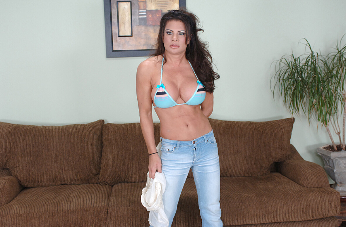 Watch Teri Weigel and James Deen video in My Friend's Hot Mom