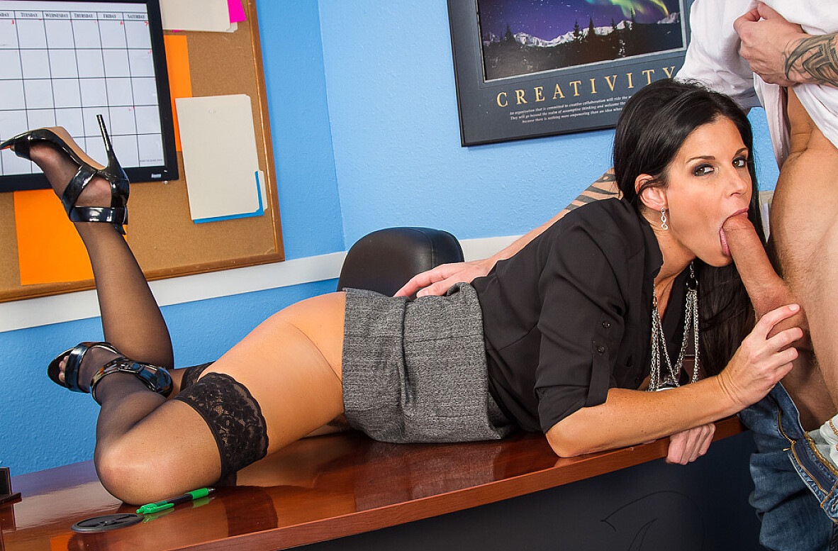 Watch India Summer and Richie Black 4K video in My First Sex Teacher