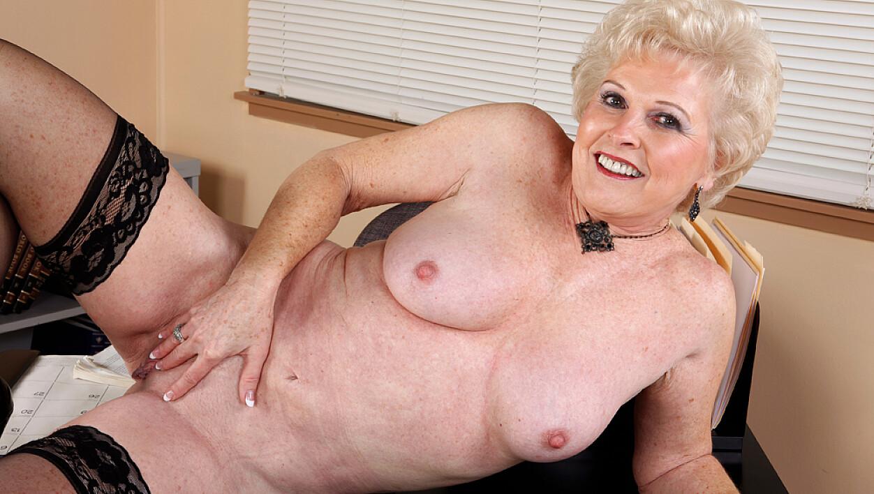 Big girls naked photos