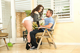 Cheating wife Kimber Woods fucks her big-ass loving neighbor - Sex Position 1