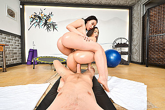 Abella Danger fucking in the trampoline with her innie pussy - Blowjob