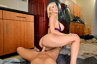 Alexis Fawx fucking in the with her medium ass vr porn - Sex Position 3
