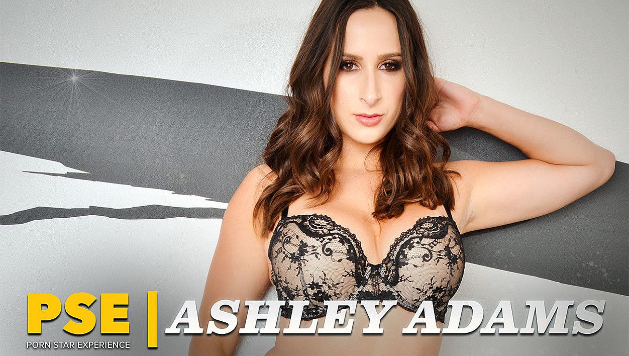 Ashley Adams fucking in the bed with her bubble butt vr porn