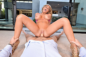 Kayla Kayden fucking in the chair with her tits vr porn - Sex Position 2