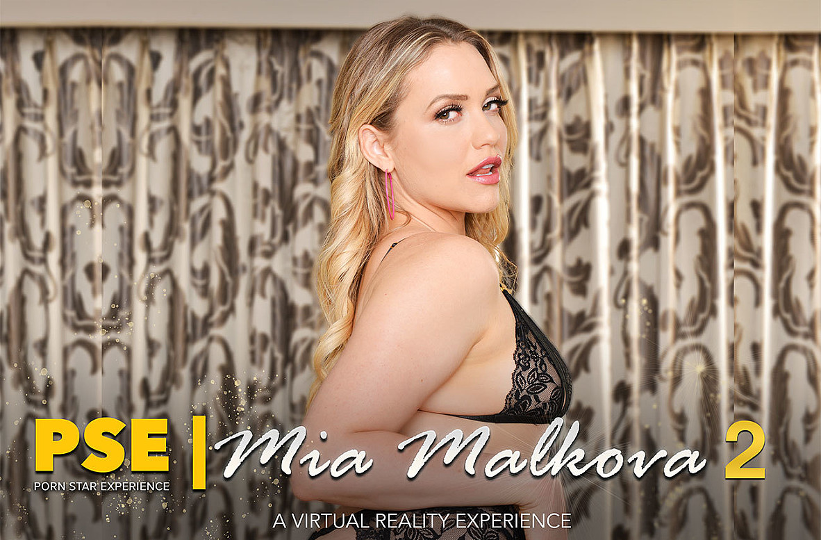 Watch Mia Malkova and Chad White VR video in Naughty America