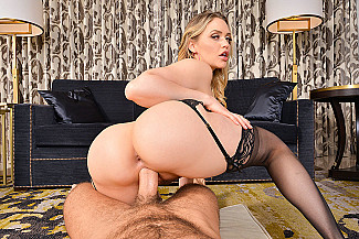 Your Dream Cum True: Mia Malkova's VR Porn Star Experience - Sex Position 4