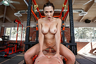 Rachel Starr fucking in the gym with her tits - Sex Position 3