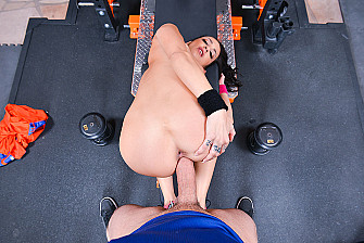 Sofi Ryan fucking in the gym with her athletic body vr porn - Blowjob