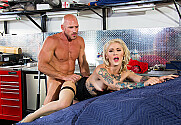 Kleio Valentien & Johnny Sins in Naughty Office