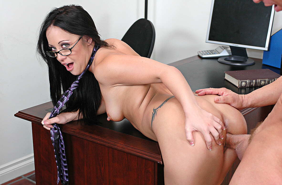 Watch Kylee King and Jack Lawrence American video in Naughty Office