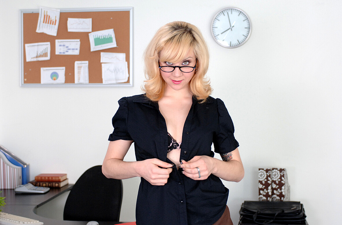 Watch Pinky Lee and Scott Nails video in Naughty Office