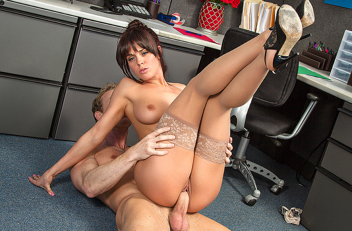 Watch Rahyndee James and Ryan Mclane 4K video in Naughty Office