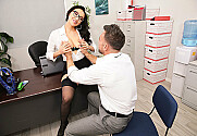Vicki Chase & Johnny Castle in Naughty Office