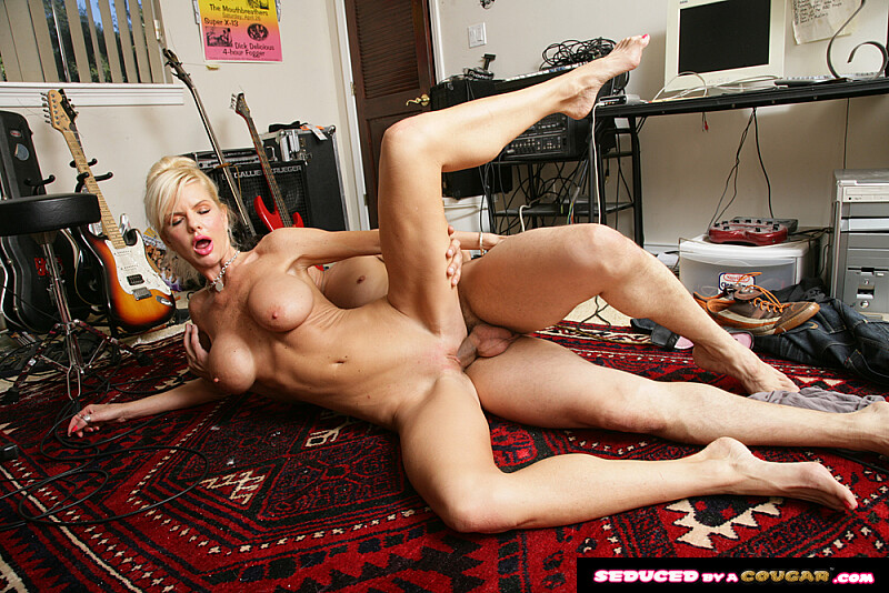 Cougar Crystal White fucking in the floor with her big tits - Sex Position 3