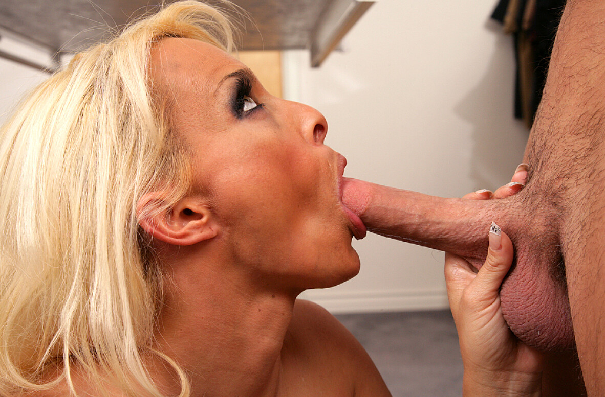 Watch Holly Halston and Seth Gamble video in Seduced By A Cougar