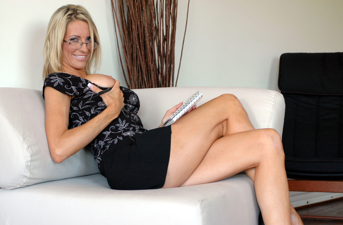 Watch Emma Starr and Tony T. video in Diary of a Milf