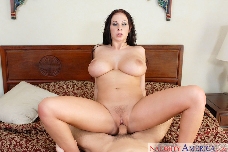 Gianna Michaels fucking in the bedroom with her bubble butt - Sex Position 3